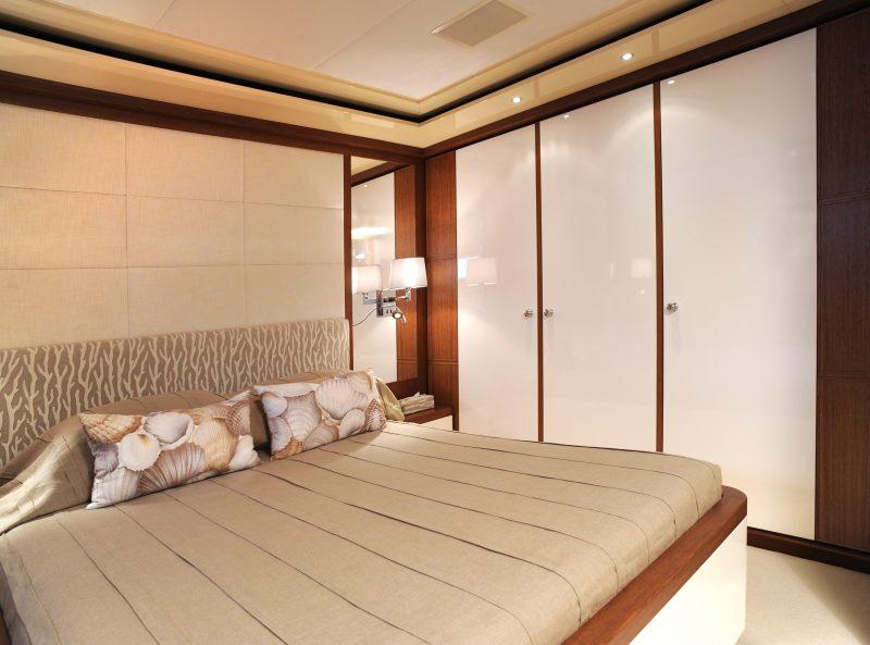 Yacht (14)