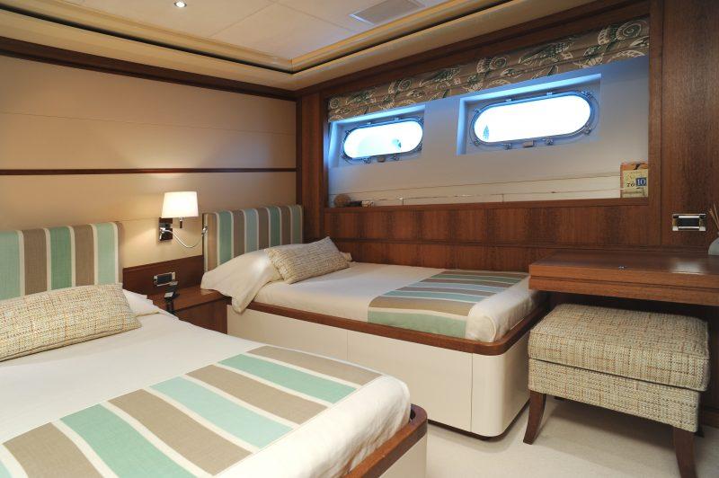 Yacht (16)