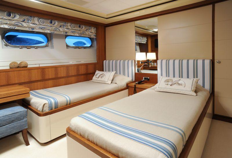 Yacht (17)