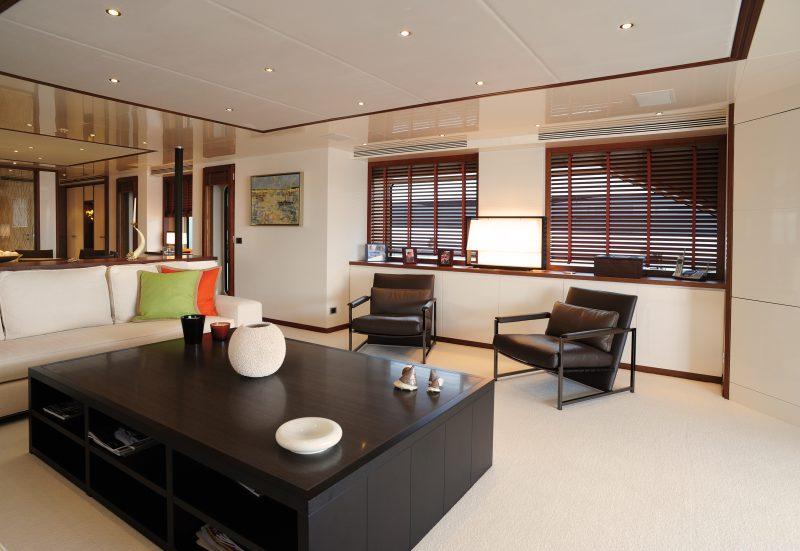 Yacht (3)